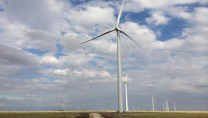 図 建設中のAmazon Wind Farm Texas